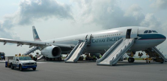 Cathay Pacific 780 following evacuation on runway 07L (photo: HK CAD)