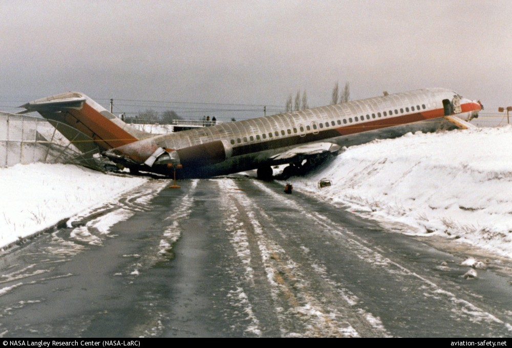 Pennsylvania Air Balloon Mail: ASN Aircraft Accident McDonnell Douglas DC-9-31 N961VJ