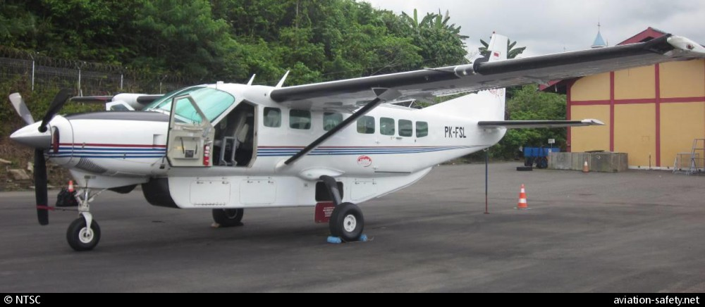 ASN Aircraft accident Cessna 208B Grand Caravan PK-FSL